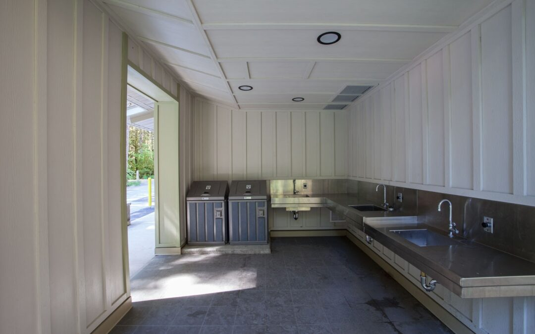 camp ground kitchen area with sink stations